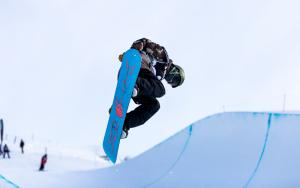 International Field Takes on FIS Continental Cup Halfpipe at Cardrona