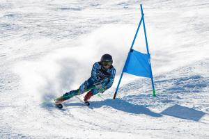 Willis Feasey Reclaims National NZ Men's Giant Slalom Championship Title
